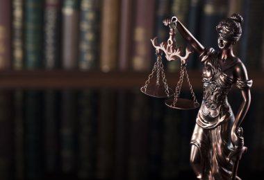 Lawyers Historians Educationists Economists