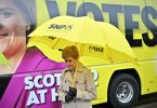 Nicola Sturgeon Campaigns Ahead
